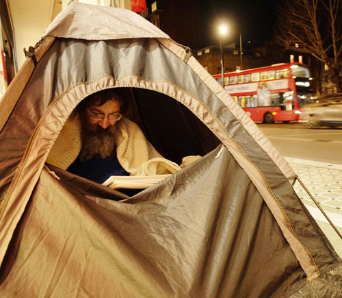 HOMELESS-LONDON-RECONNECT-UK-READING